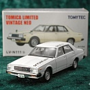 LV-N111b - nissan skyline 280d gt/l type catalog shooting model 1980 (white) (Tomica Limited Vintage Neo Diecast 1/64)