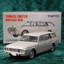 LV-N108a - toyota crown custom 1971 (white) (Tomica Limited Vintage Neo Diecast 1/64)