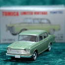 LV-133b - nissan cedric custom (green) (Tomica Limited Vintage Diecast 1/64)